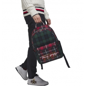 Σακίδιο TOMMY HILFIGER 6767 TH Signature Μαύρο